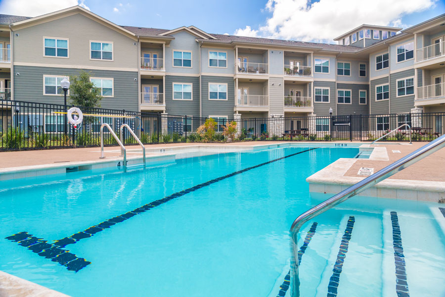 Sparkling pool at The Villages at Ben White